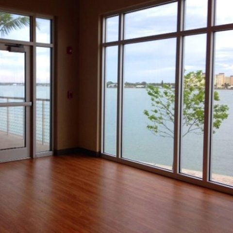 Studio & patio yoga